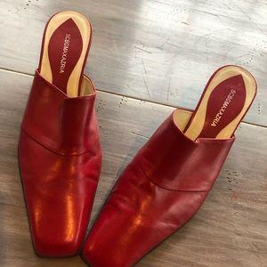 BCBG ........ red slide shoes 👠